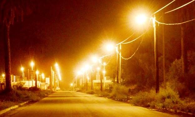 El plan de Reconversión Lumínica avanza con la ampliación de la red en la calle Rebottaro