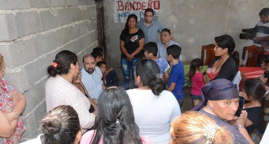 """El intendente visitó el Comedor """"Sol Bandeño"""" del barrio IV Centenario II"""