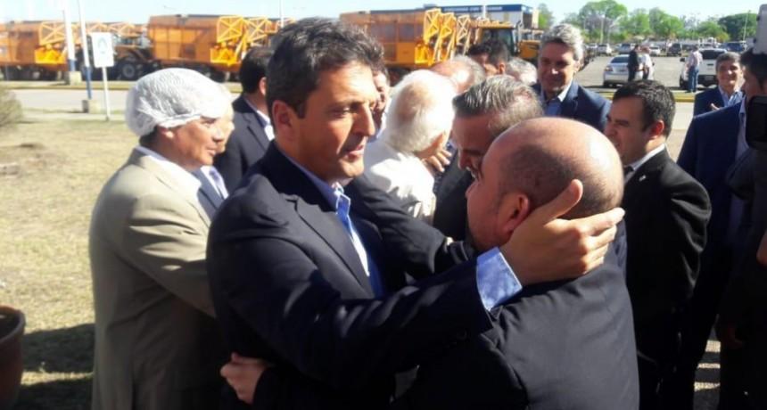 Mirolo junto a Sergio Massa en San Miguel de Tucumán