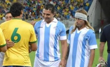 Un Caniggia trucho jugó el clásico Brasil-Argentina