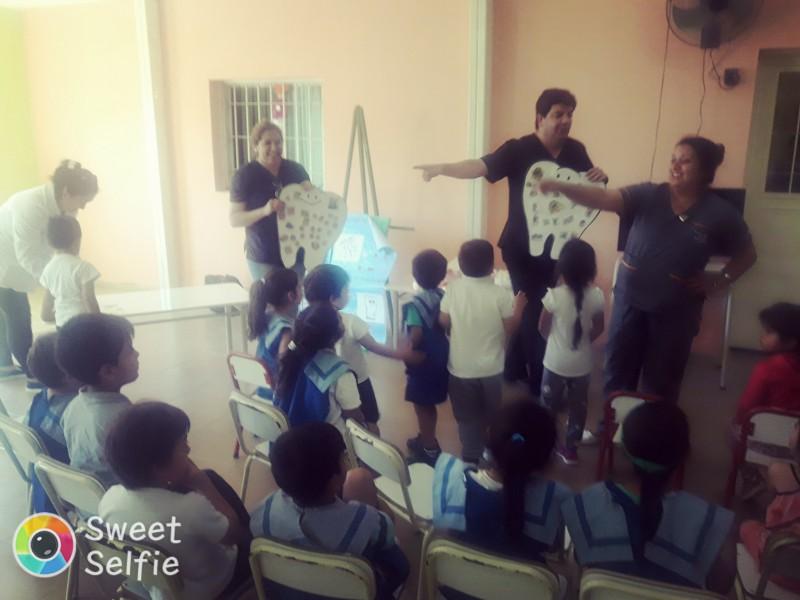 """El Camm Nº 5 dictó una charla sobre salud bucal para chicos del jardín """"Mi Pequeño Mundo"""""""