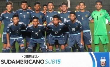 Zeballos marcó un doblete en el empate entre Argentina y Uruguay