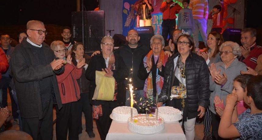 Mirolo acompañó a los vecinos en los festejos por los 48 años del barrio Mercantil