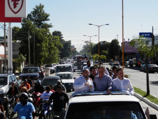 Multitudinaria marcha del pueblo bandeño por la coparticipación