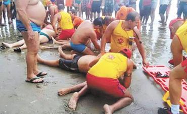 Tragedia en las playas de Brasil: cuatro personas murieron al ser alcanzadas por un rayo