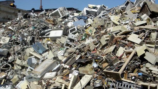 Cada argentino produce 6,9 kilos de basura electrónica al año