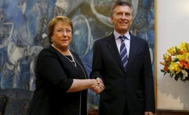 Bachelet recibió a Macri en Santiago de Chile
