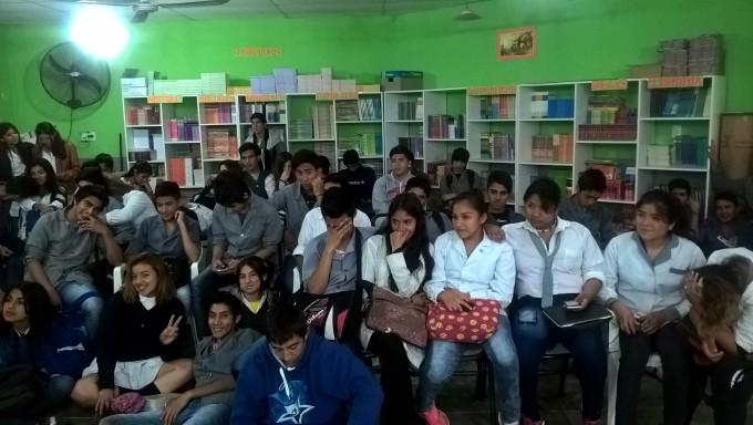 Profesionales del municipio participaron de una jornada de socialización para adolescentes