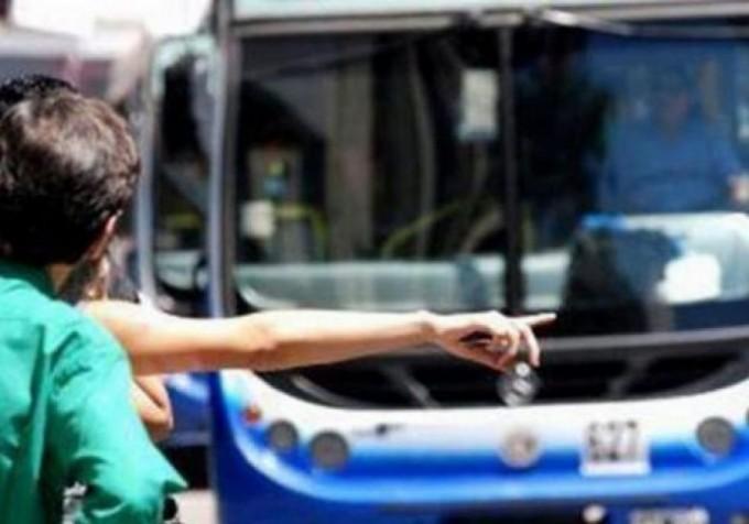 La Oficina de Defensa del Consumidor pide a pasajeros del servicio de transporte de transporte que denuncien la vulneración de sus derechos