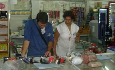 Bromatología municipal continúa controlando puestos y comercios de venta de comida