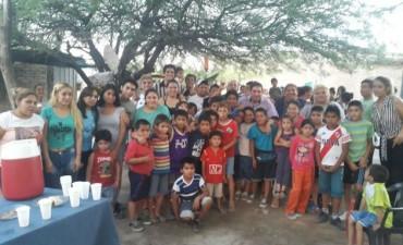 """Jóvenes celebraron el """"Día del Voluntario"""" realizando tareas solidarias"""