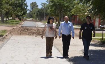 Mirolo supervisó obra de pavimentación y anunció la construcción de un playón deportivo en el barrio 1º de Mayo