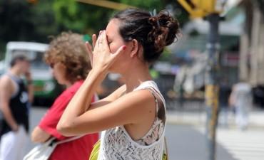 Brindan consejos para evitar los golpes de calor