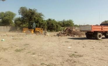 La comuna refuerza los trabajos de limpieza en los barrios