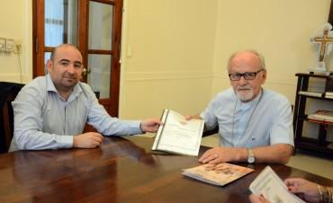 El intendente Mirolo se reunió con el obispo Bokalic para la donación de un predio para un templo