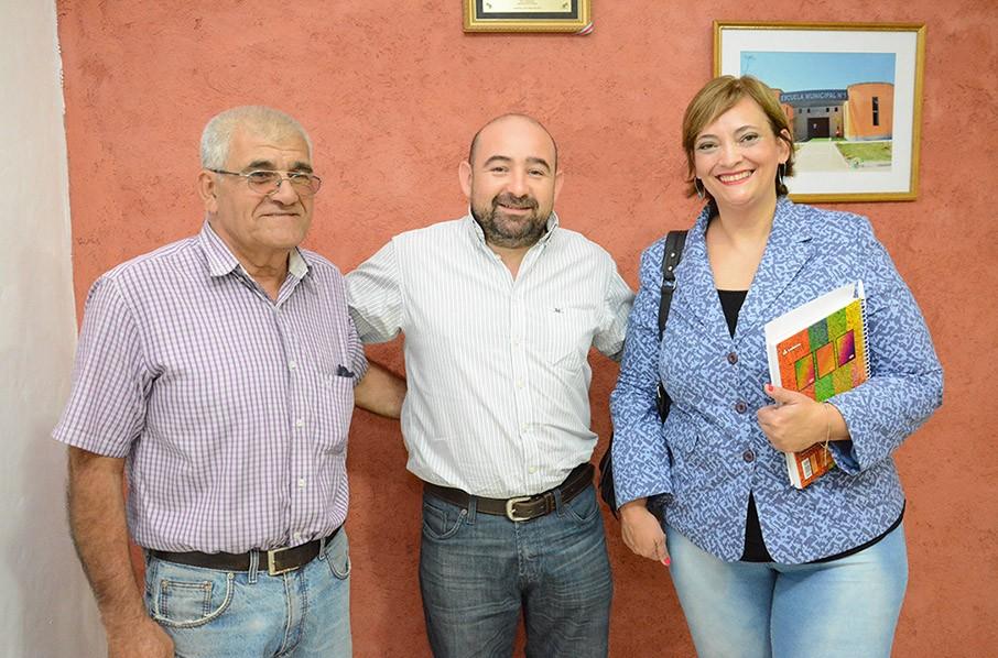 """TITULO: El intendente Mirolo ratificó su compromiso con los abuelos de la Residencia """"Mama Antula"""""""