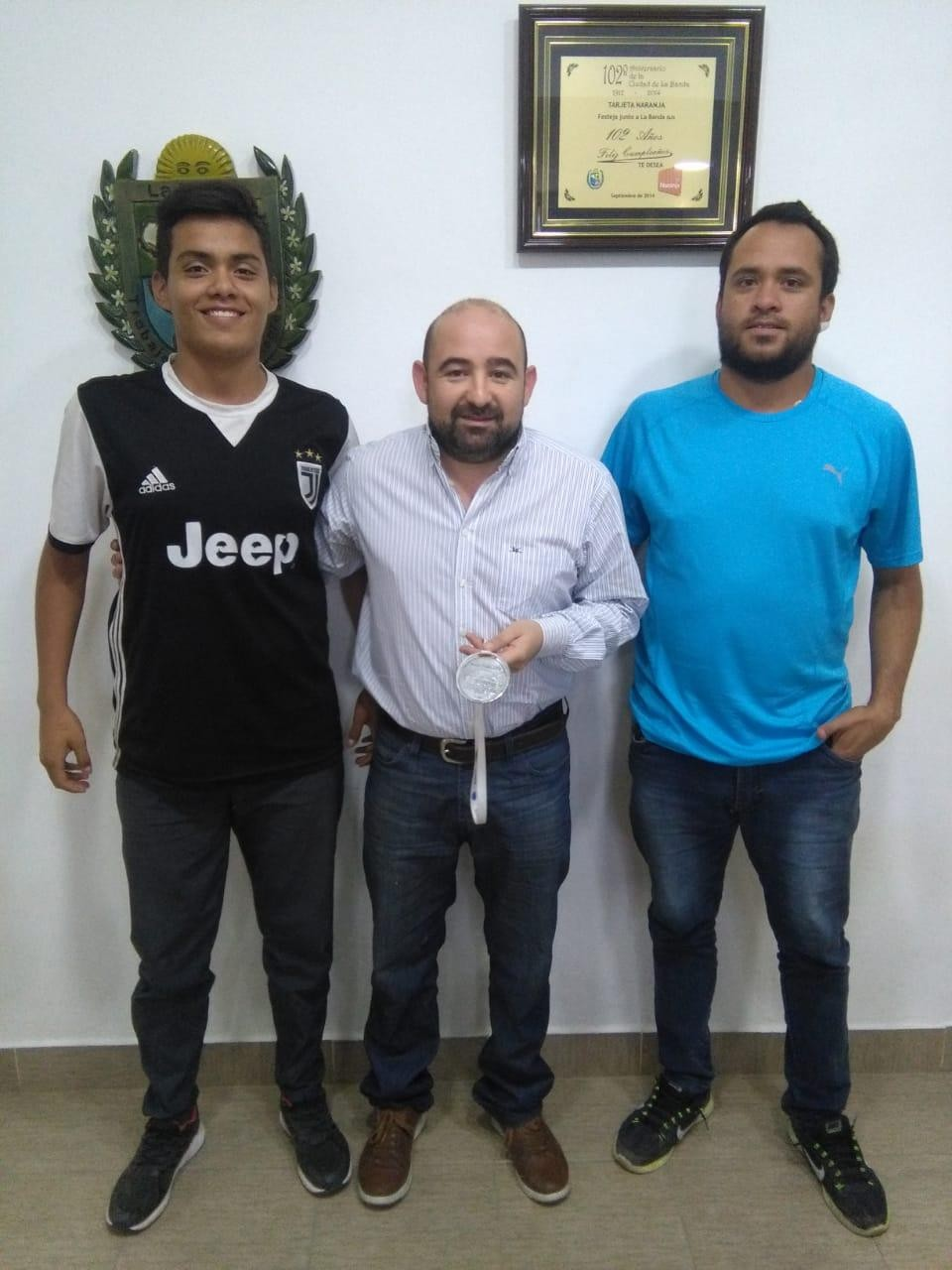 Jugadores de Chacarita del Sud que participaron en los Evita 2018 visitaron al intendente Mirolo